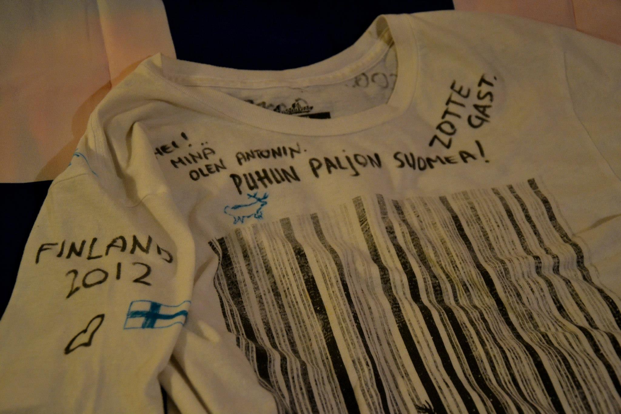 Mé tričko po jedné good bye party s trochou finštiny a nizozemštiny.