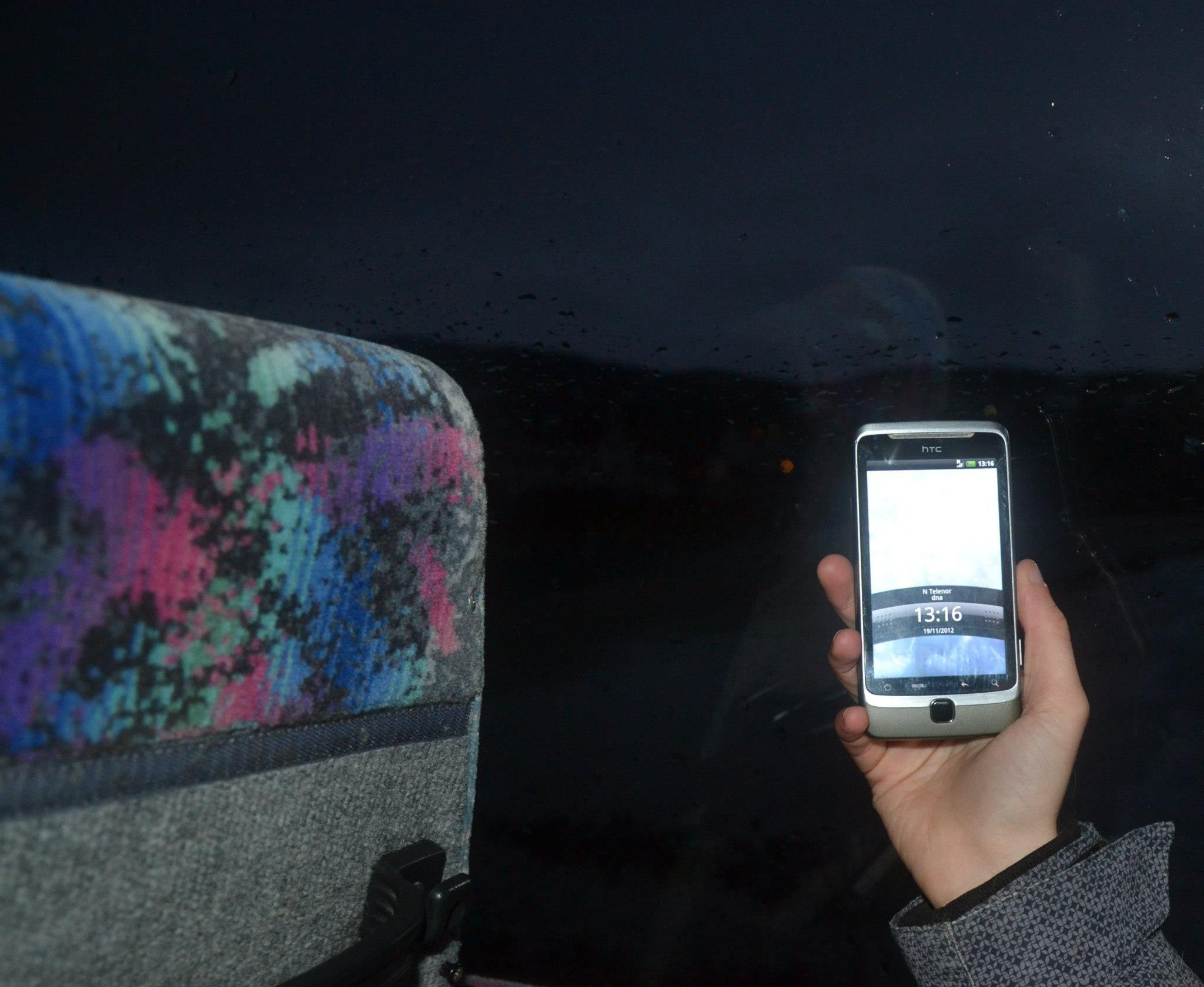 Fotografie pořízená na severu Norska. 13:16 - téměř tma.