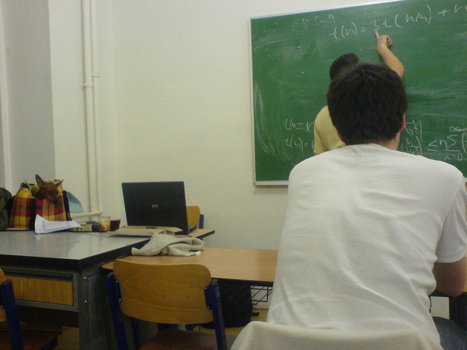 Řešení rekkurentních rovnic.