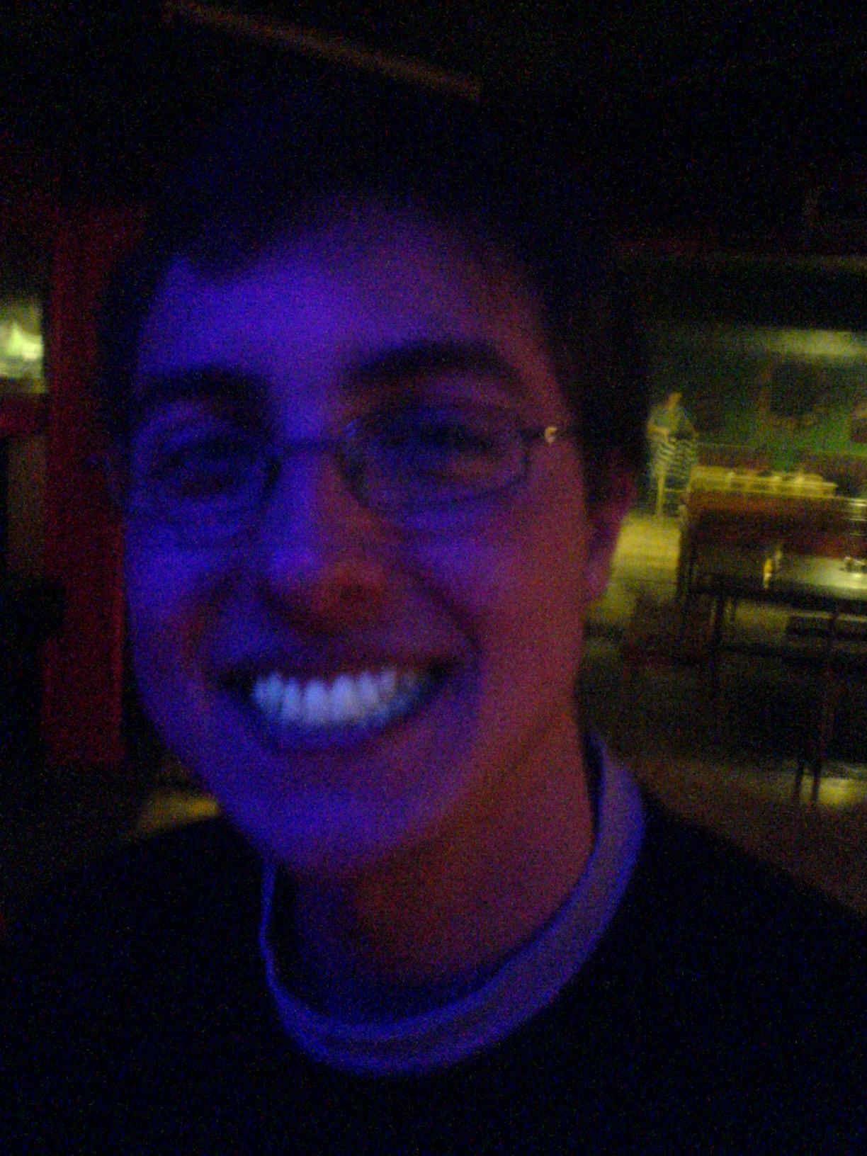 Pod UV je lépe nevystrkovat zuby. :)