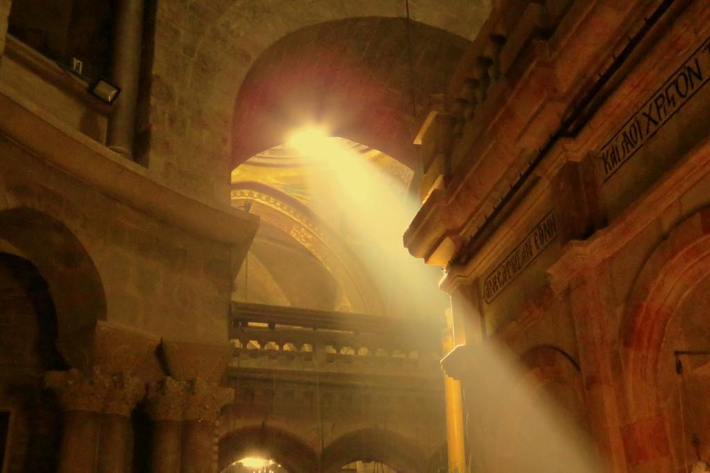Chrám  Božího hrobu a ranní světlo