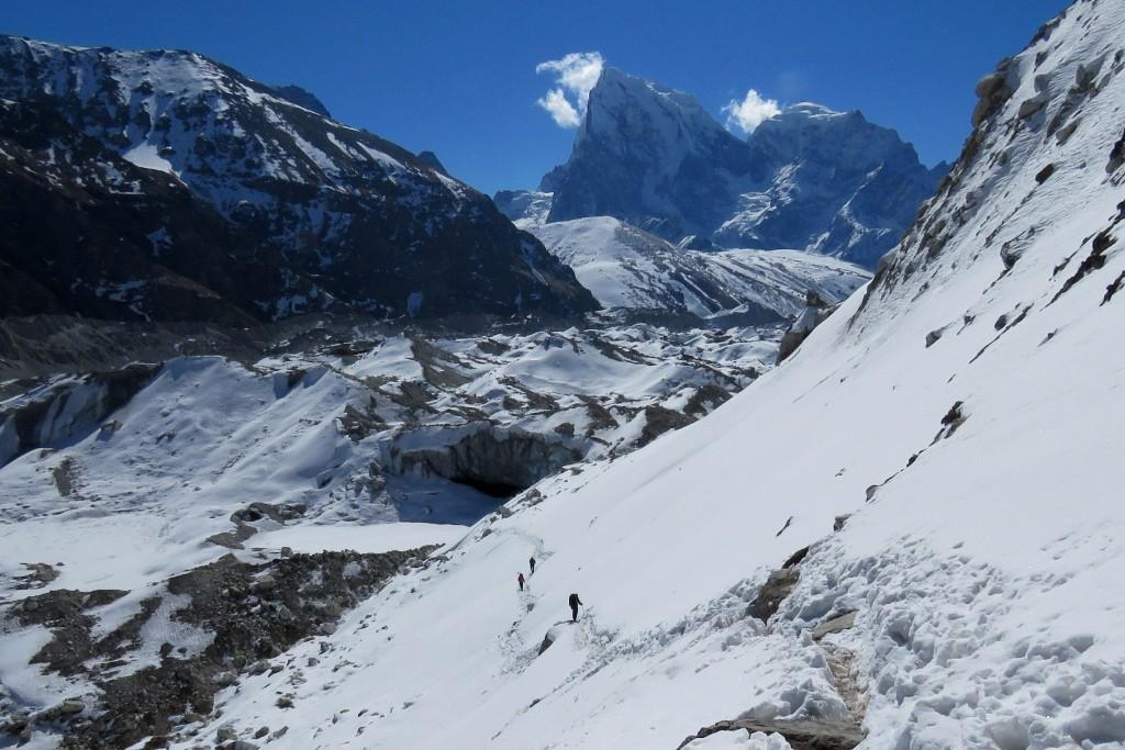 přechod ledovce Ngozumpa