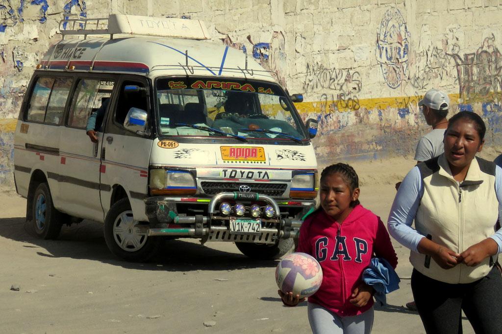 collectivo na předměstí Arequipy