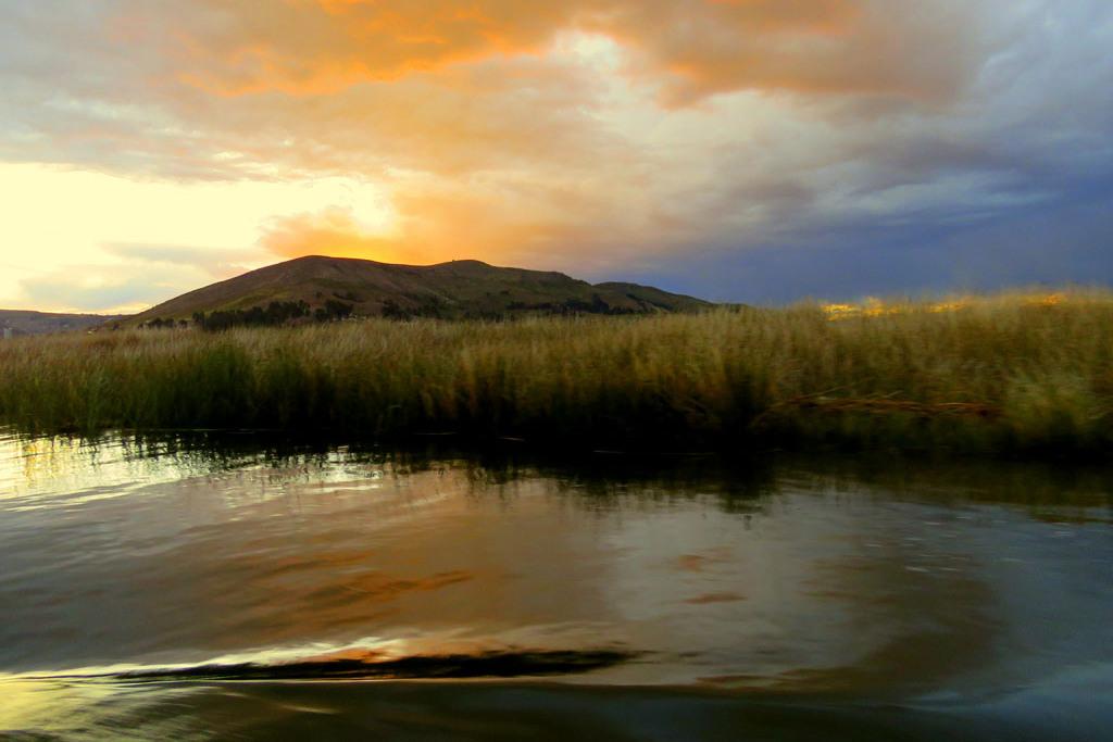 večer na jezeře Titicaca