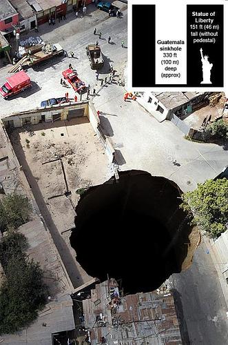sinkhole-guatemala-1.jpg